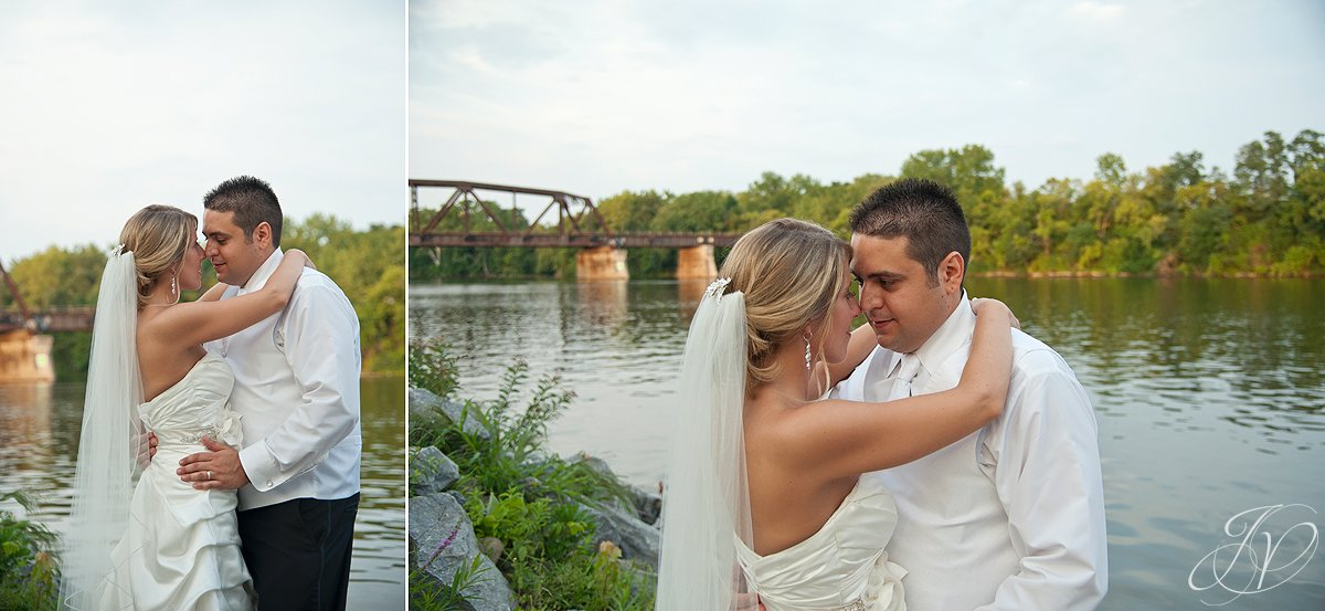 mohawk river reception, Waters Edge Lighthouse, schenectady rose garden, Schenectady Wedding Photographer