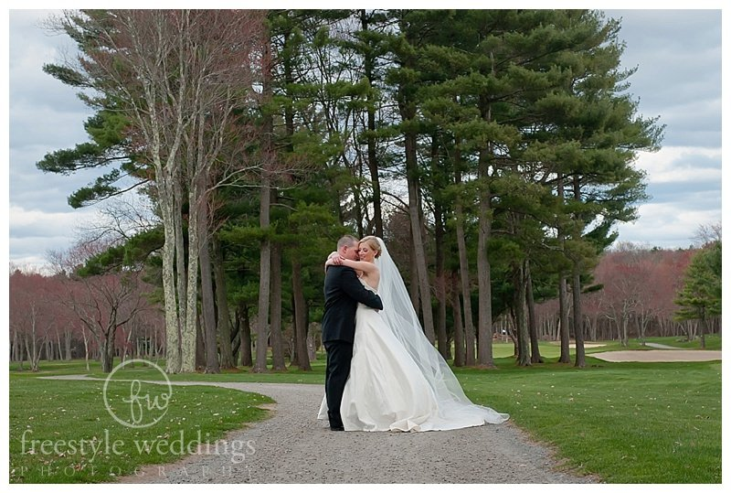 Cape Club of Sharon wedding in Sharon, MA, photographed by Freestyle weddings